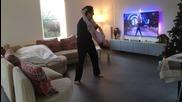 4 годишно момиченце танцува с баща си у дома на Sia- Chandelier