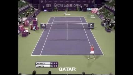 След 12 поредни гейма Вожняцки е на полуфинал в Доха