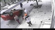 Дрогиран се преобръща с кола и изпада в истерия .