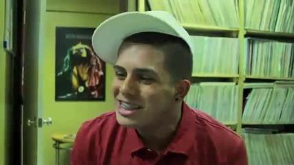 17 - годишен имитира Lil Wayne, Drake, Eminem и Ludacris Freestyle !