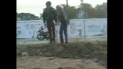 Погребване на жив човек! - Скрита камера