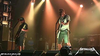 Metallica - Disposable Heroes ( Soundcheck ) - Golden Gods Awards, 2013