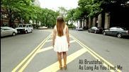 "Красавица прави невеpоятен кавър на песента - "" As Long As You Love Me"""
