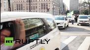 Brazil: Taxi drivers block Sao Paulo city hall after mayor repeals Uber ban