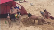 Гадно прецакване на плажа - Смях !