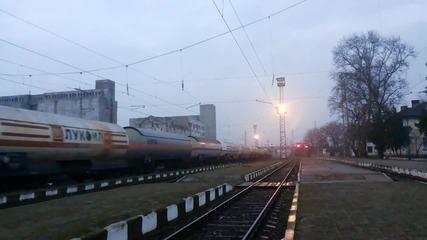 87 023 с товарен влак през Нова Загора