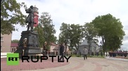 Russia: Putin lays flowers at Baltiysk Peter the Great monument on Navy Day