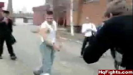 Двама руснаци се бият в училище