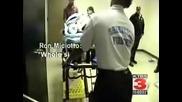 Полицай пребива жена !