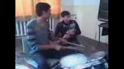 Захари И Бисер