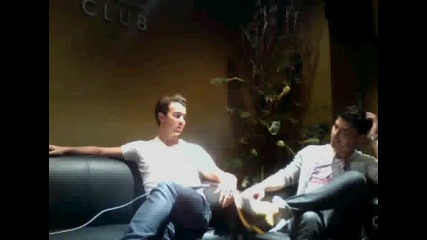 Jonas Brothers Live Chat on Cambio - Tour - 4/8/2010