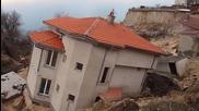 Свлачище погълна къщи край Албена