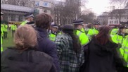 UK: Scuffles and arrests as police shut down anti-Cameron protest