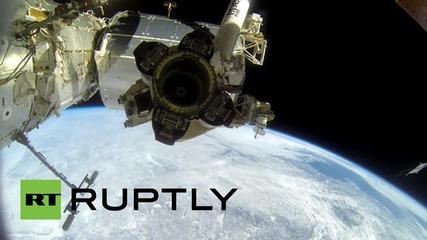 Космическа разходка с космонавтите от НАСА