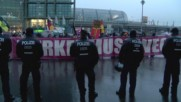Germany: 'Merkel must go!' - Right-wing protesters take to Berlin's streets