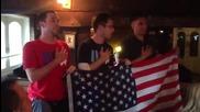 Лохте накара американските фенове да пеят в пъба