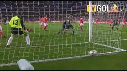 01.04 Бенфика 0 - 1 Ливърпул:гол на Агер