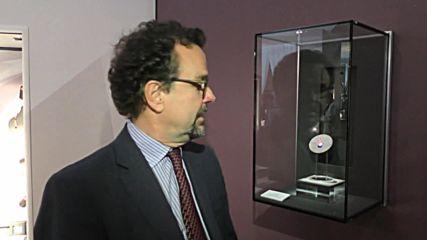 Показаха уникален розов диамант, който струва 38 млн. долара