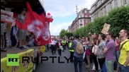 Ireland: 'Think outside my box!' abortion protesters face-off in Dublin