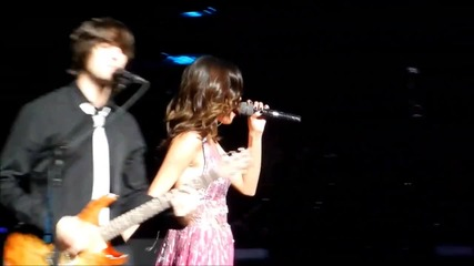 Selena Gomez live at Concert for Hope - Who Says