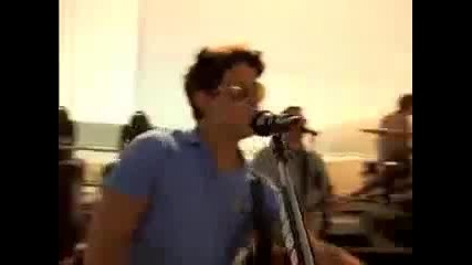 Jonas Brothers - La Baby (official Music Video)