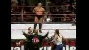 Rikishi танцъва с отбора си на Кралското Меле 2000