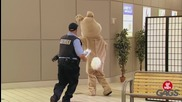 Смешна Скрита Камера - Easter Bunny Pranks - Best of Just For Laughs Gags (720p)
