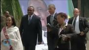 Obama Meets Famous Ancient Skeleton During Ethiopia Visit