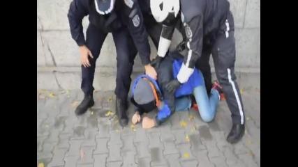 Родната Полиция Ни Гази!!!!