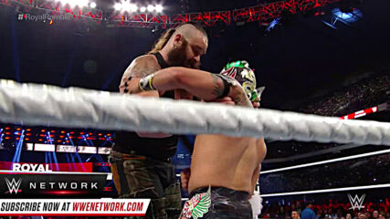 Braun Strowman launches Kalisto from the Royal Rumble Match: Royal Rumble 2017