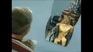 Скрита Камера - Музата На Бръснаря