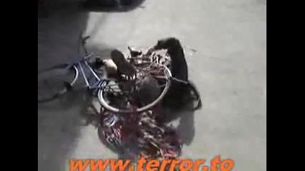 Много пиян Румънец се бори с колето