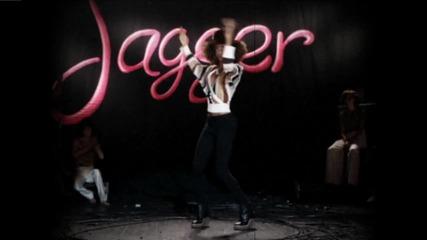 Веднага може да те зареди с положителни емоци.. Maroon 5 - Moves Like Jagger ft. Christina Aguilera