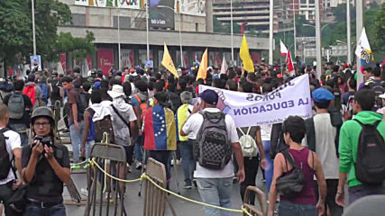 Venezuela: Students demand Armed Forces 'side with the Venezuelan constitution'