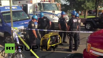 USA: Six injured as bus crashes into building in New York