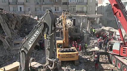 Turkey: Rescue teams continue search for quake survivors in Elazig