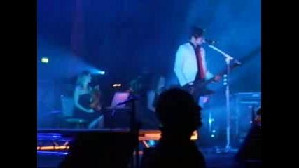 30 Seconds To Mars - Pressure (live)