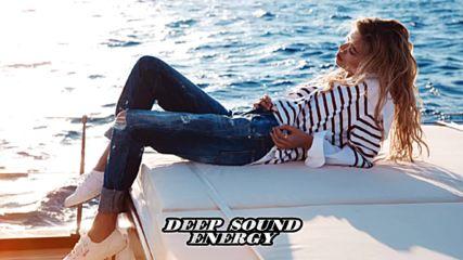 Luca Debonaire & Chris Marina - I Can Be Your Hero ( Club Mix)