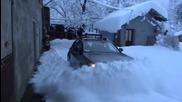 Така се излиза с Audi allroad от гаража през зимата
