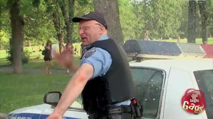 Полицай срещу Пожарникар (скрита камера) (hq)