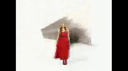 Avril Lavignes new Canon commercial