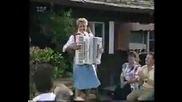 Christa Behnke - Bayerisch Kraut Polka