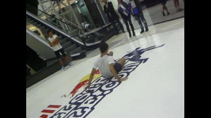 Ivailo vs Mladenov Red Bull Street Style Bulgaria
