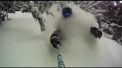 Екстремно каране на ски в планината!