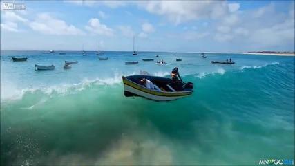 На морето дали му пука за тая лодка