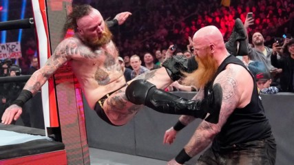 Aleister Black vs. Erick Rowan: Raw, Feb. 24, 2020