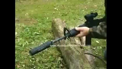 M16- M4 със заглушител и оптически мерник