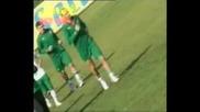 Бербатов Кара Трактор На Тренировката На Българските Национали След Мача България - Италия  0:0  12.10.2008
