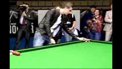 Snooker - Mark Selby Trickshot