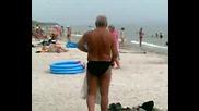 Пиян Руснак на плажа